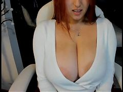 Busty Girl on Webcam